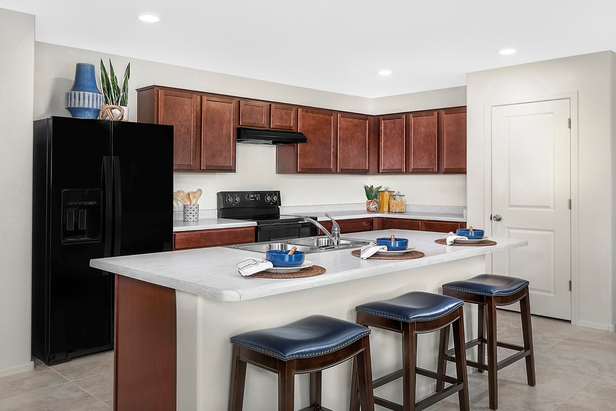 New Homes in Buckeye, AZ - Blue Horizons Traditions Plan 1849 Kitchen