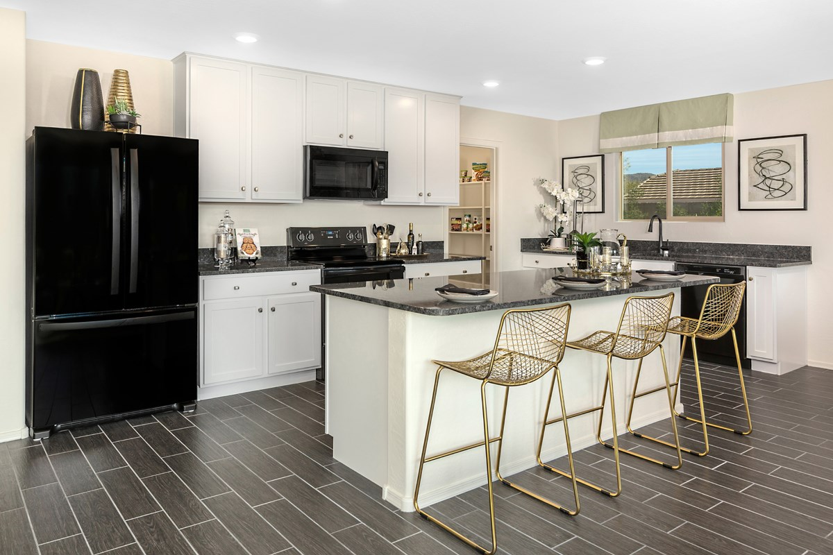 New Homes in Gold Canyon, AZ - Entrada Del Oro Plan 1790 Kitchen