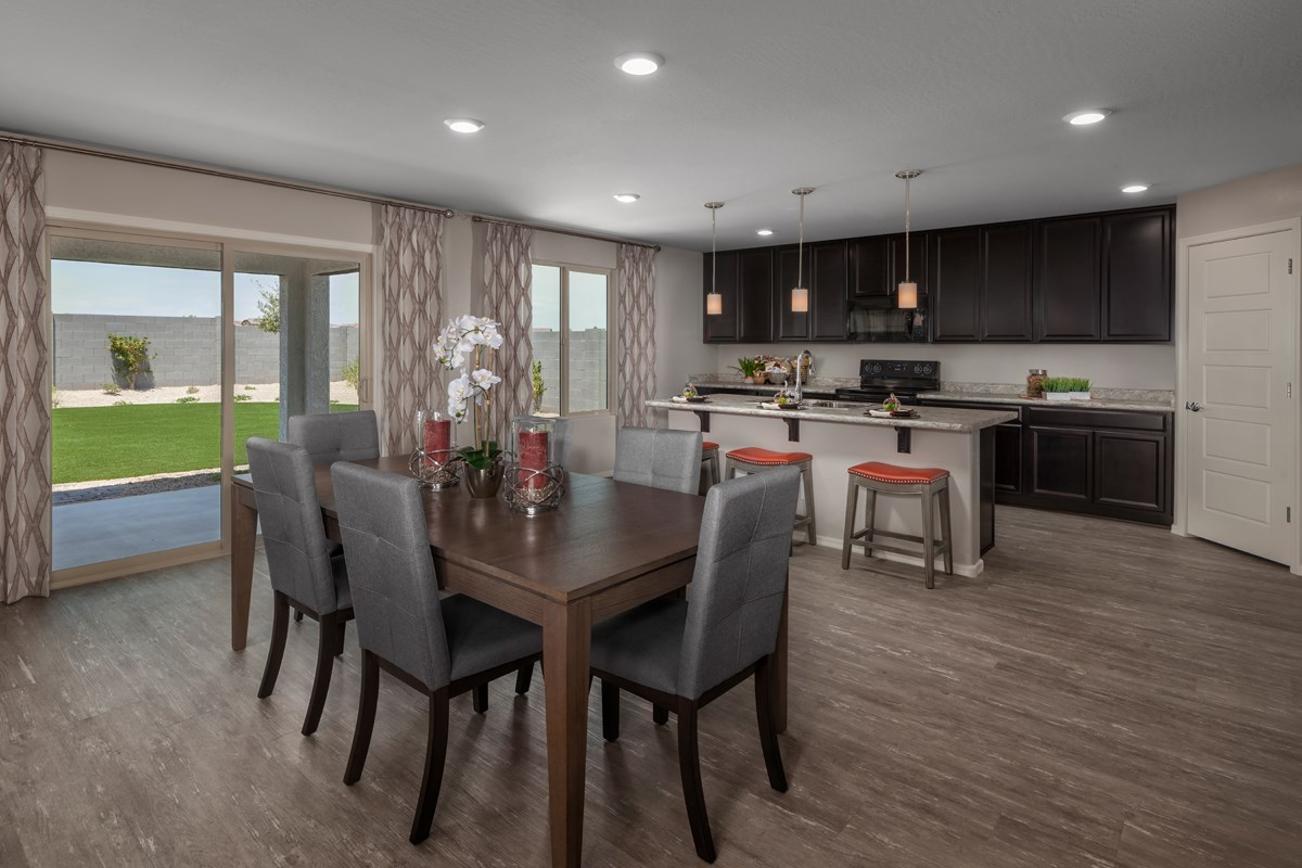 New Homes in Surprise, AZ - Sanverno at Desert Oasis Plan 2608 Dining