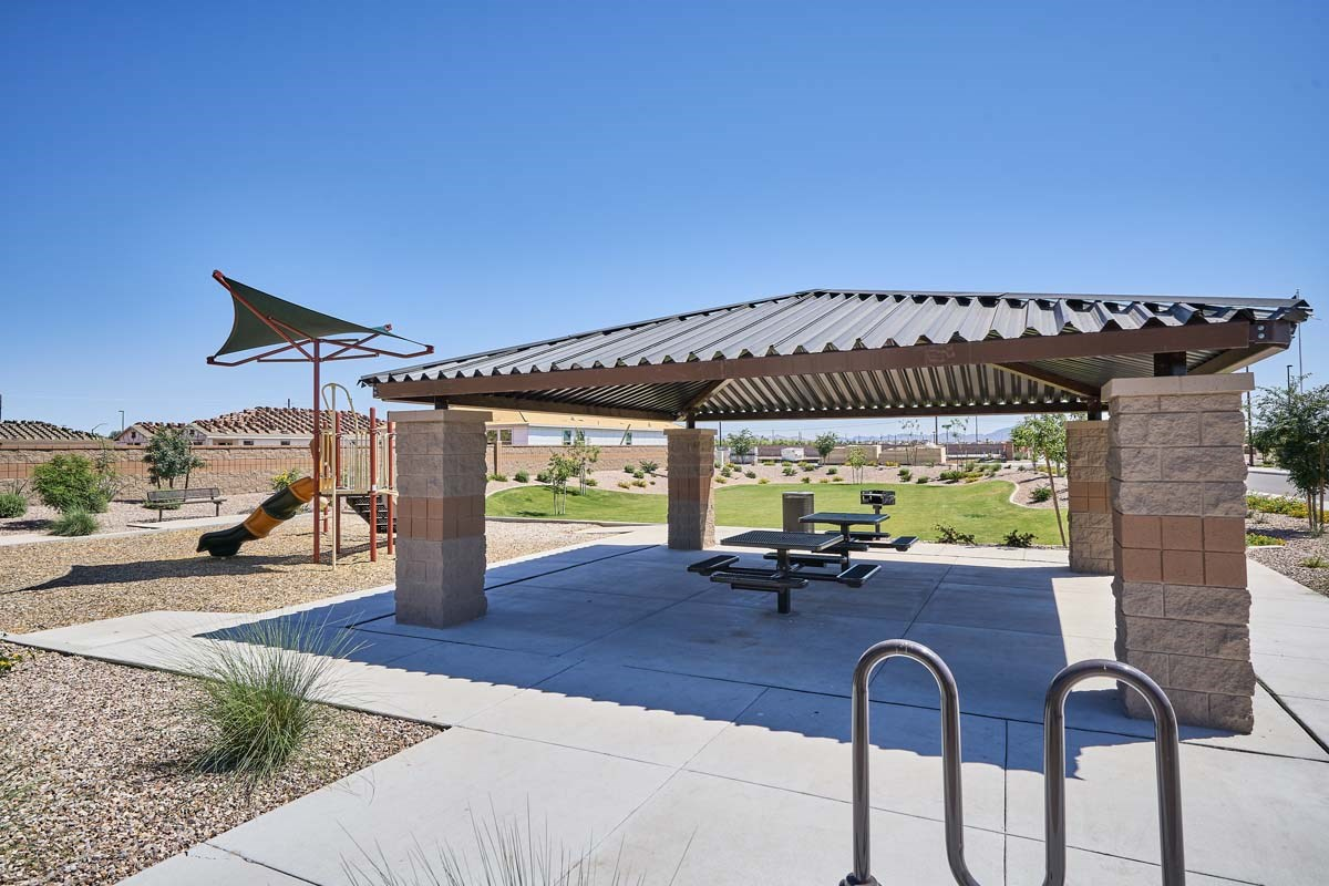 New Homes in Gilbert, AZ - Segretto Segretto Ramada and Picnic Table