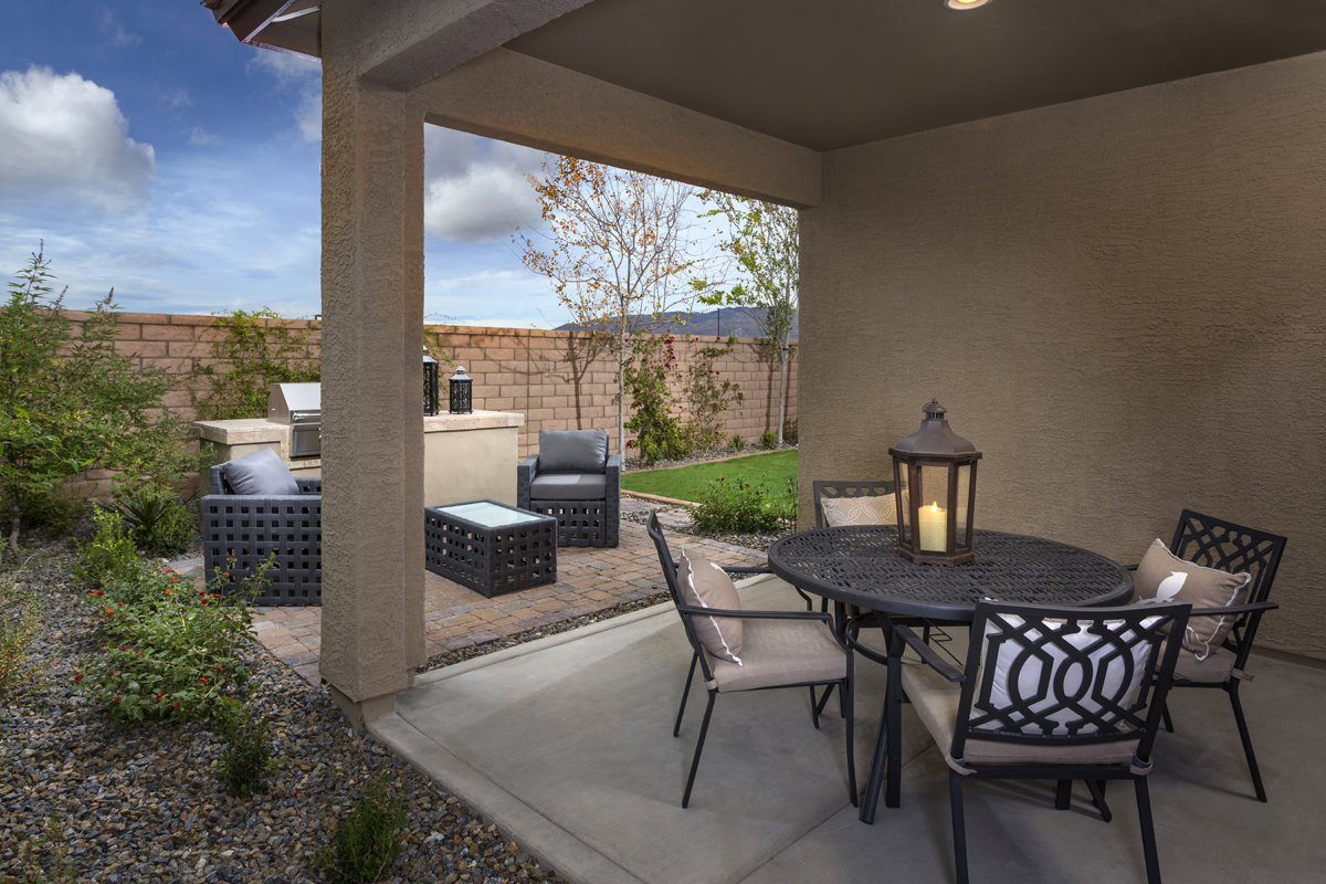 1465 Outdoor Living