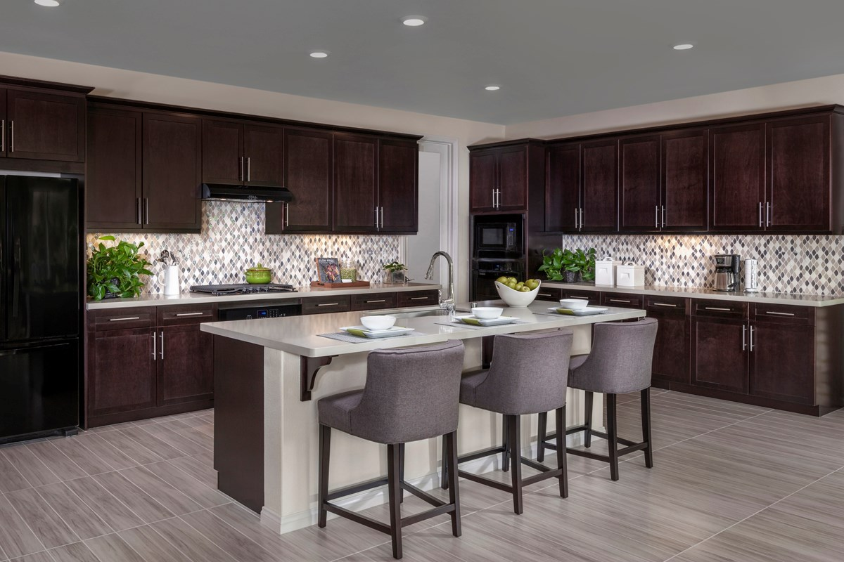 New Homes in Simi Valley, CA - Arroyo Vista at The Woodlands Residence 2414 Kitchen