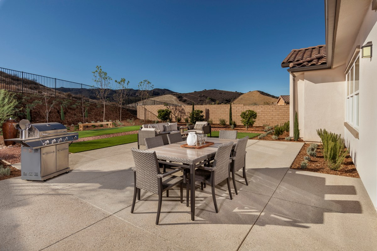 New Homes in Simi Valley, CA - Arroyo Vista at The Woodlands Residence 2414 Patio