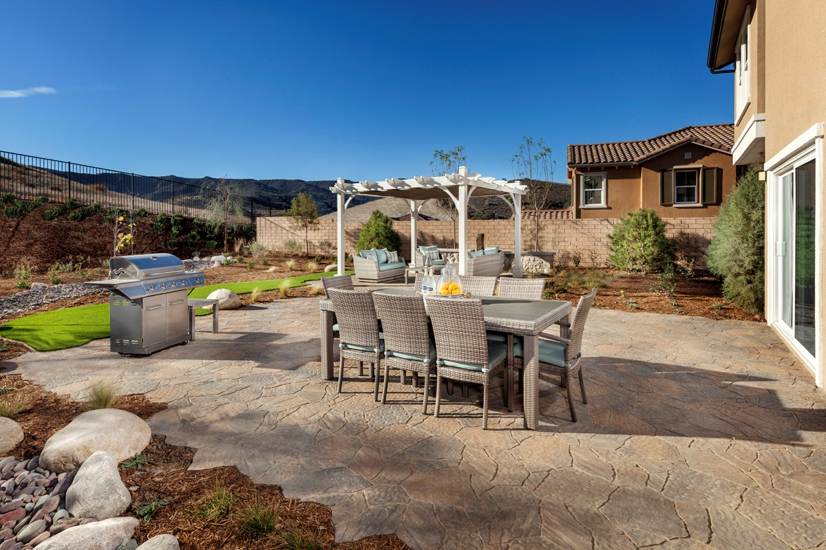 New Homes in Simi Valley, CA - Arroyo Vista at The Woodlands Residence 2852 Patio