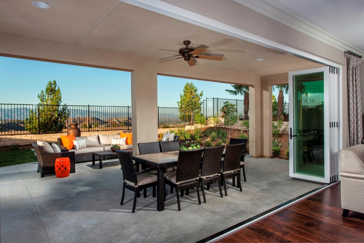 New Homes in Santa Clarita, CA - Canyon Crest Residence 4215 Patio