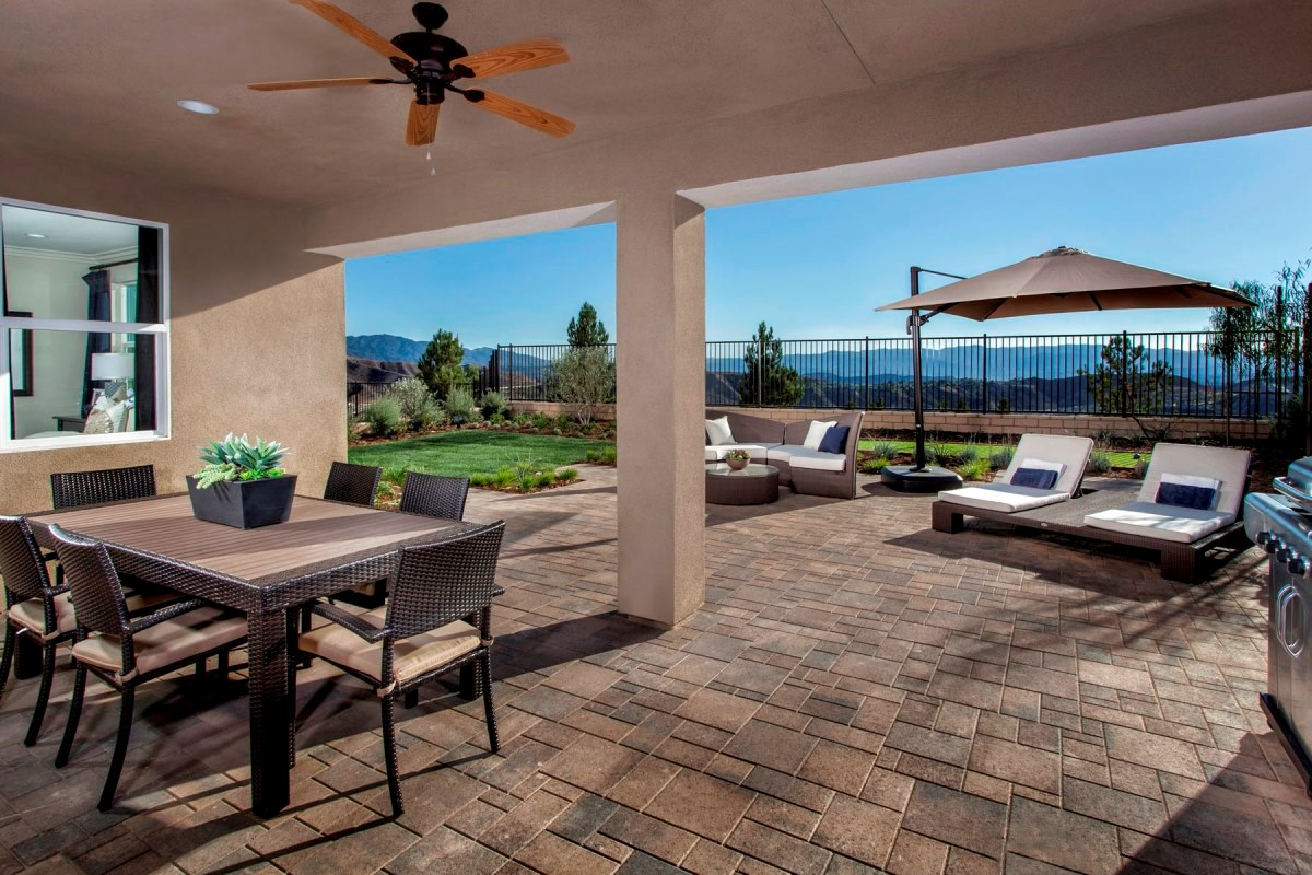 New Homes in Santa Clarita, CA - Canyon Crest Residence 4517 Patio