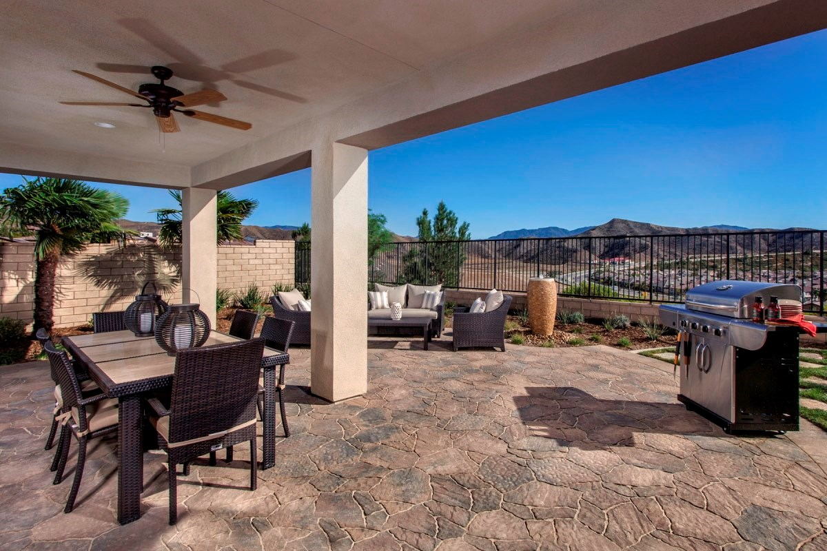 New Homes in Santa Clarita, CA - Canyon Heights Residence 2908 Patio