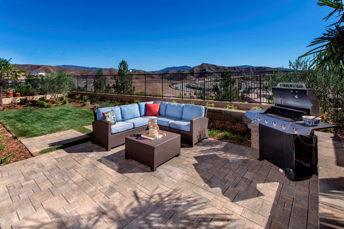 New Homes in Santa Clarita, CA - Canyon Heights Residence 3625 Patio
