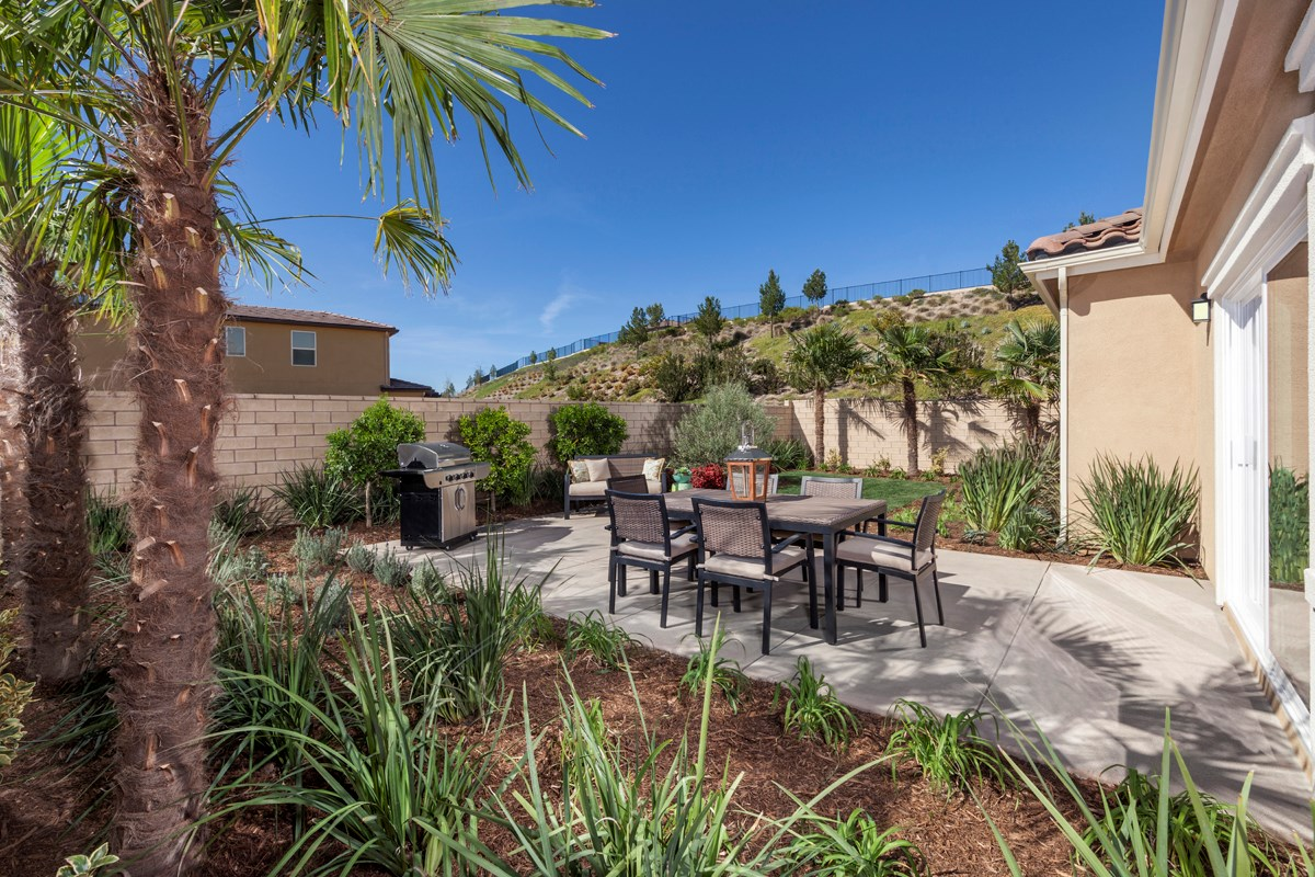 New Homes in Santa Clarita, CA - Canyon Heights Residence 1925 Patio