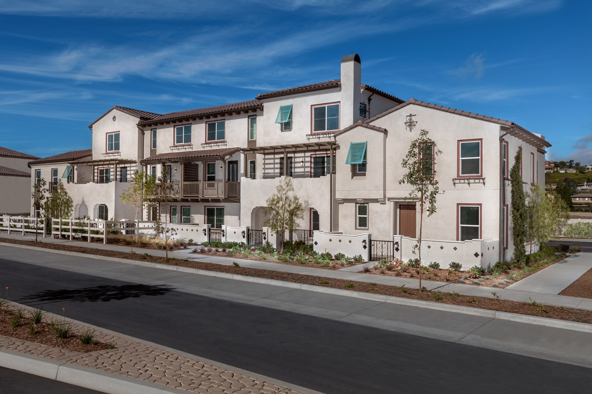New Homes in Camarillo, CA - Mariposa at Springville 6 Plex Street Scene