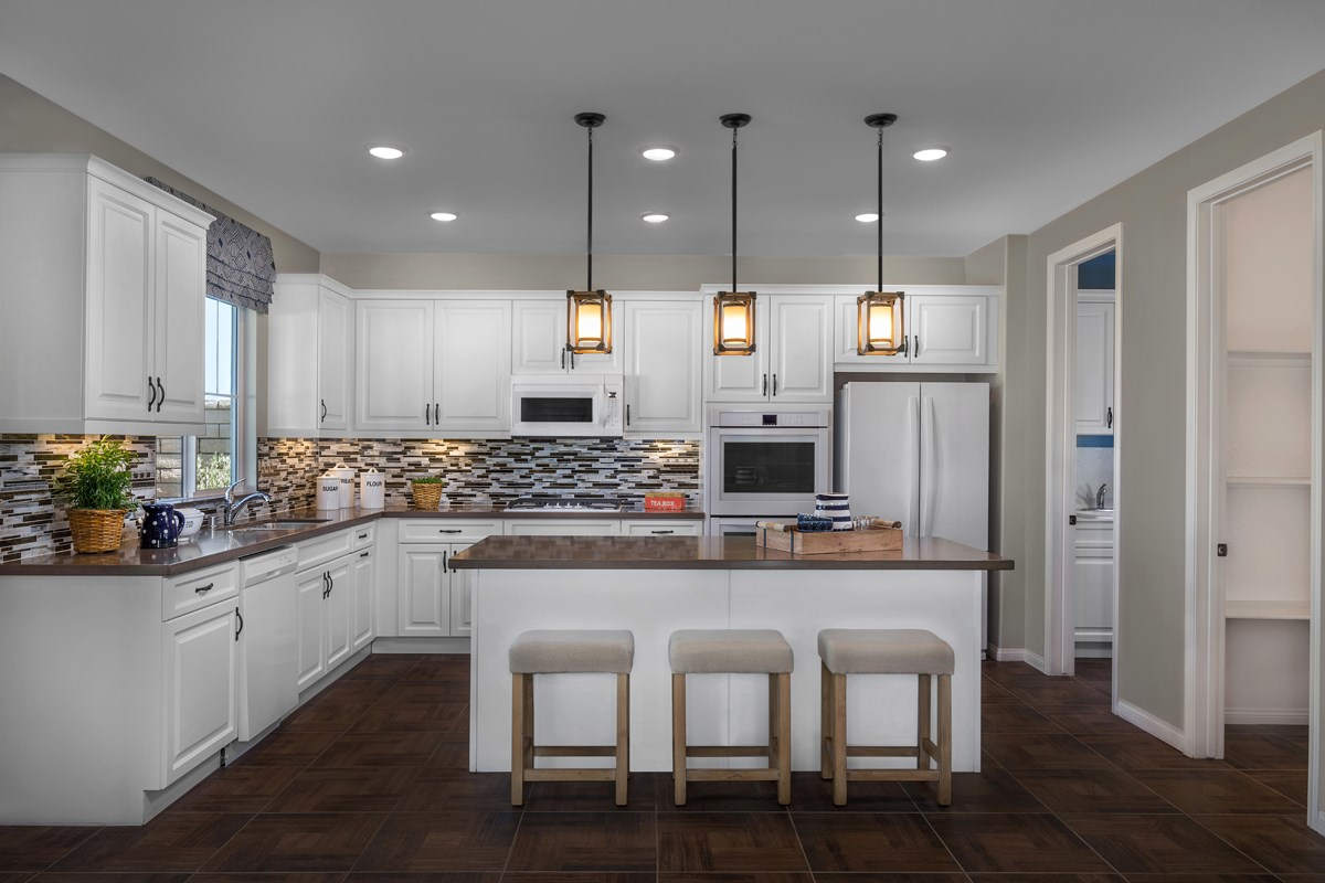 New Homes in Moreno Valley, CA - Bella Cortina Residence Five - Kitchen