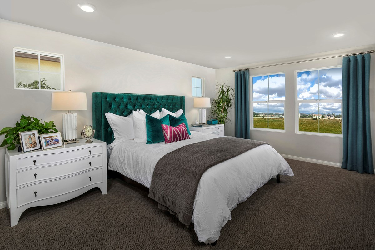 New Homes in Murrieta, CA - Westpark Residence 2028 - Master Bedroom