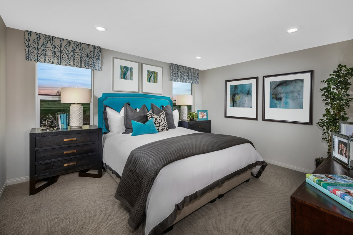 New Homes in Beaumont, CA - Cherry Blossom at The Fairways Residence 1904 - Master Bedroom