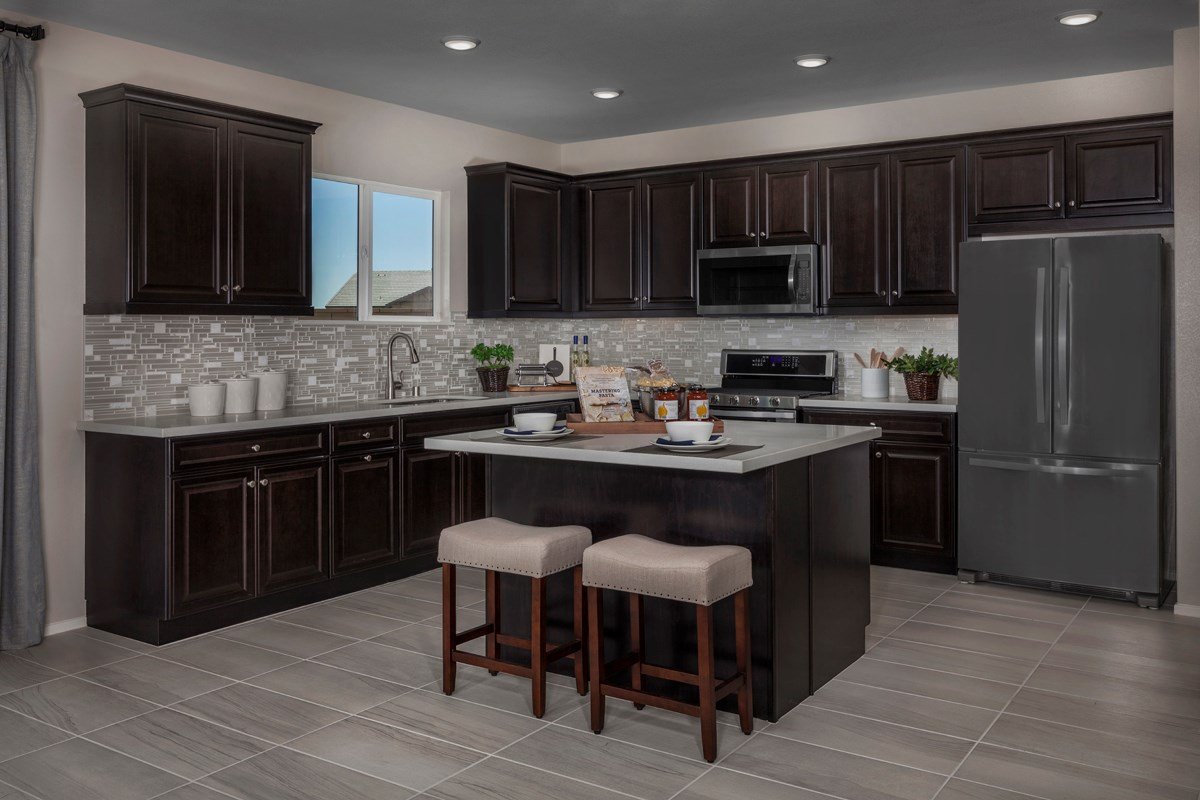New Homes in Victorville, CA - Falcon Ridge Residence 2537 - Kitchen