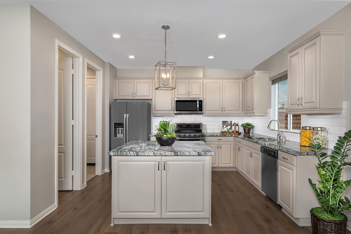 New Homes in Riverside, CA - Santa Barbara at Spring Mountain Ranch Residence Sixteen - Kitchen
