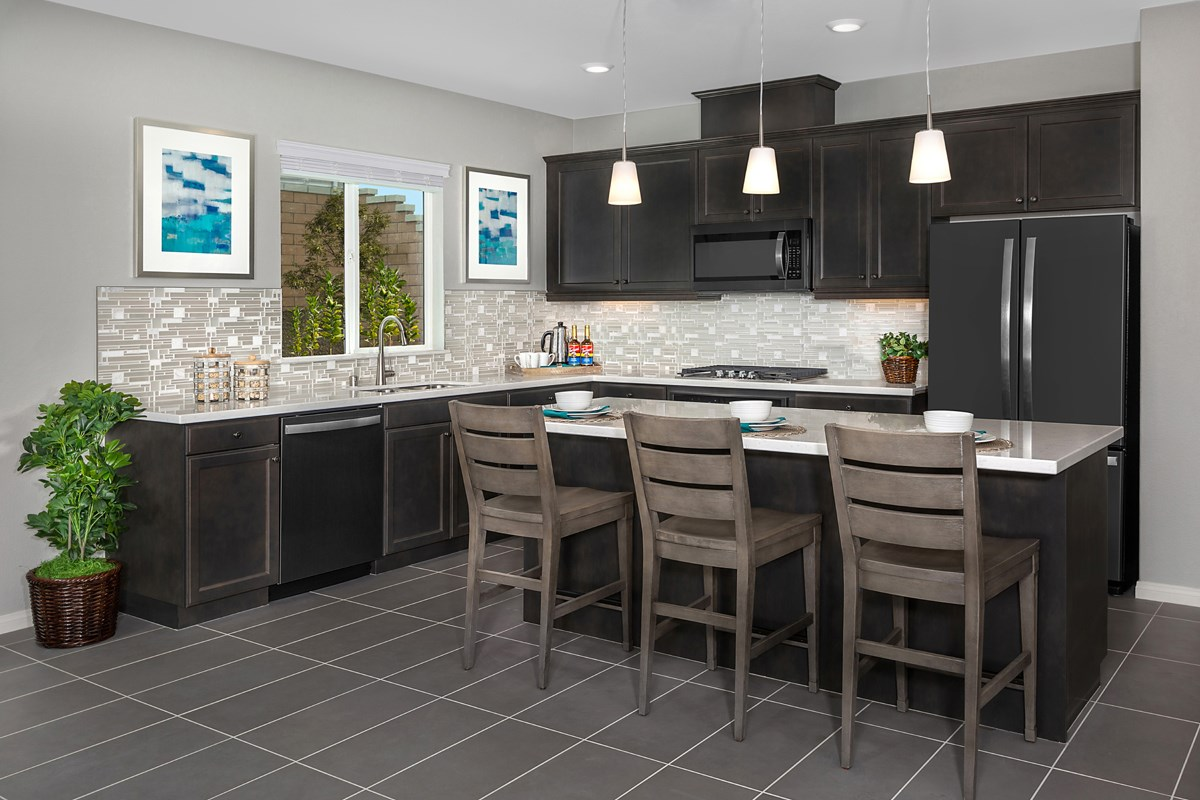 New Homes in Riverside, CA - Santa Barbara at Spring Mountain Ranch Residence Thirteen - Kitchen