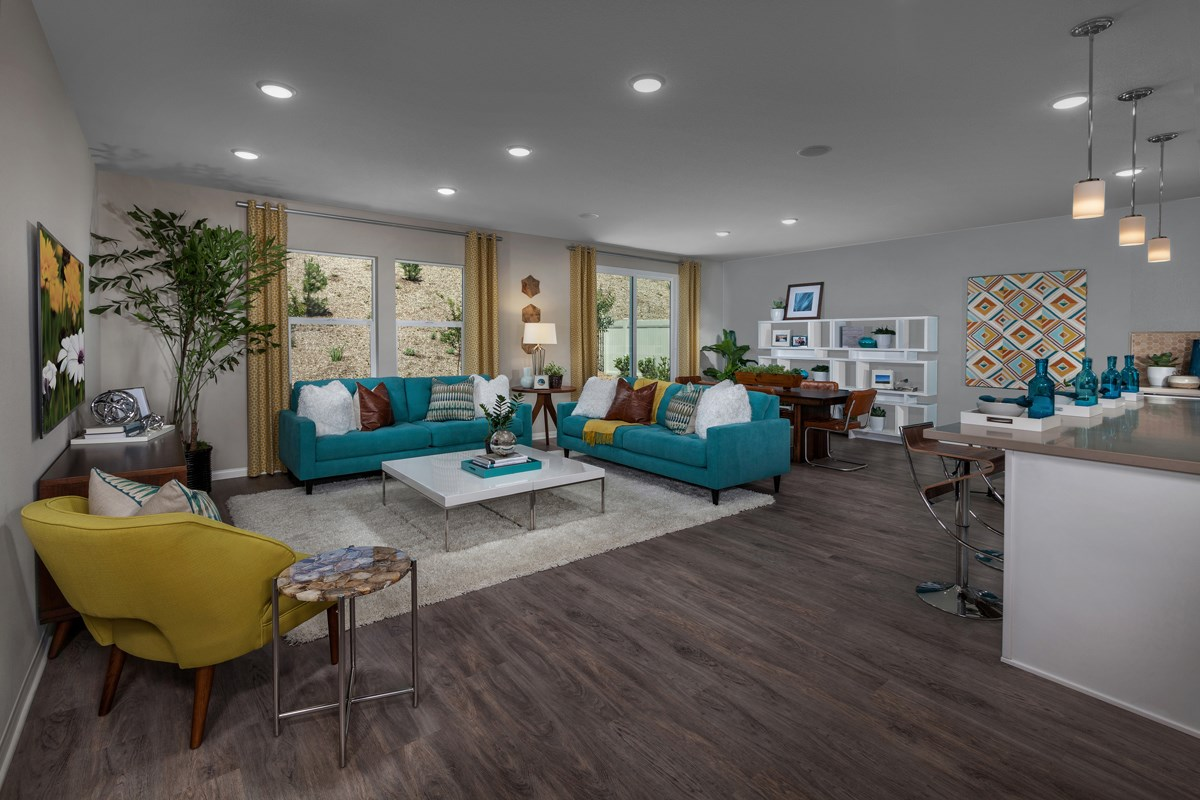 New Homes in Lake Elsinore, CA - Skypointe at Alberhill Ranch Residence 1860 - Great Room