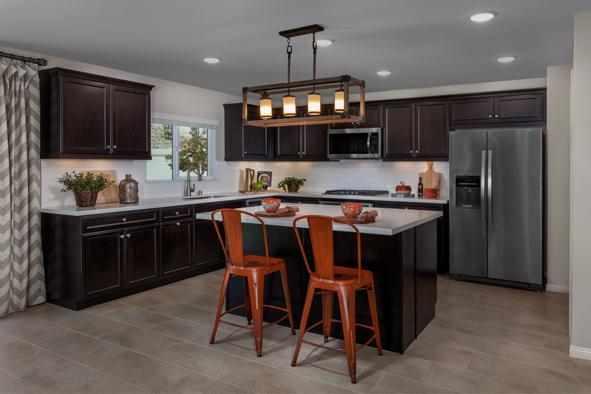 New Homes in Lake Elsinore, CA - Skypointe at Alberhill Ranch Residence 2537 - Kitchen