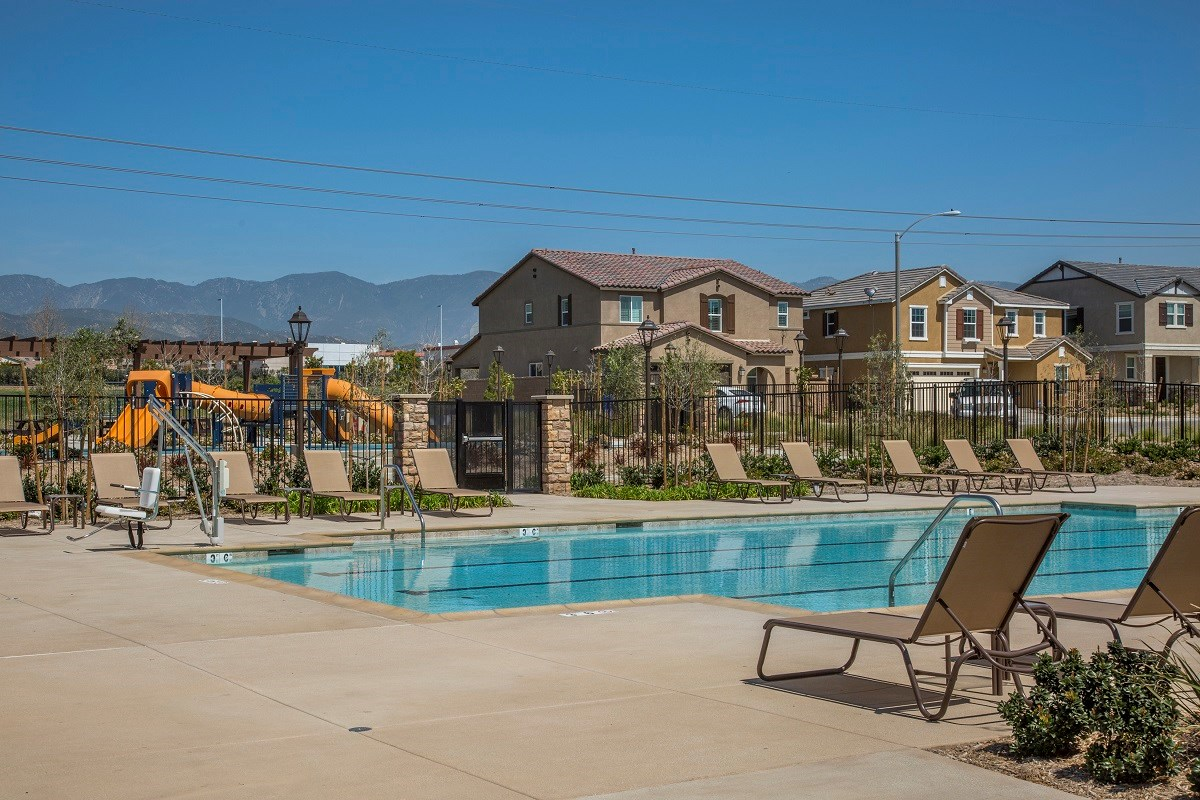 New Homes in Fontana, CA - Summit Crest Community Pool