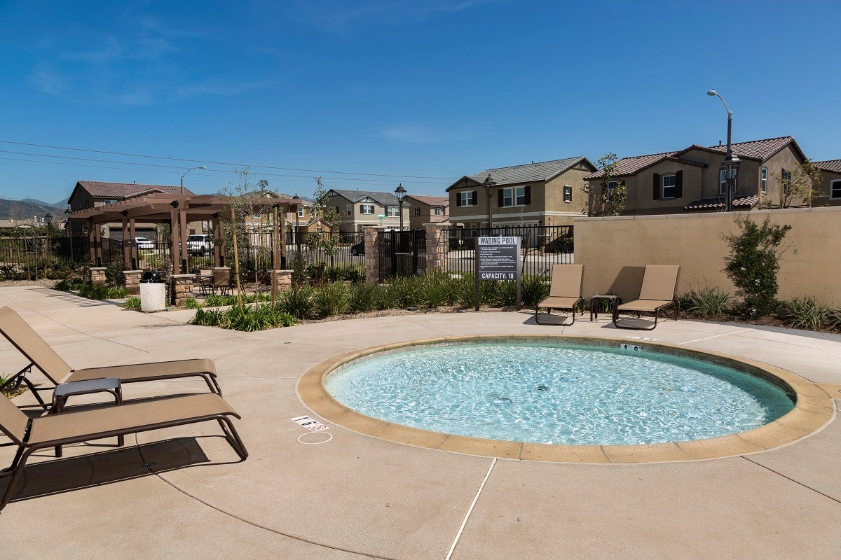 New Homes in Fontana, CA - Summit Crest Wading Pool