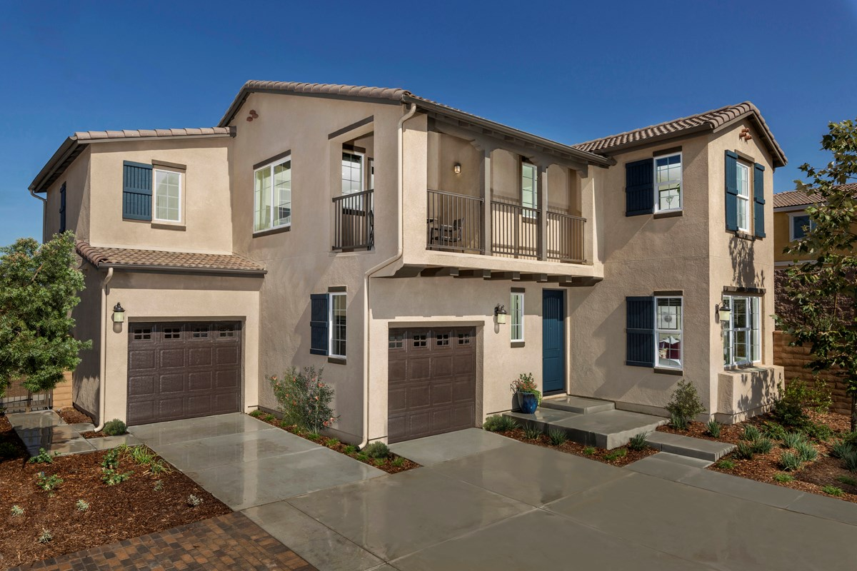 New Homes in North Fontana, CA - The Courts at El Paseo Residence Five