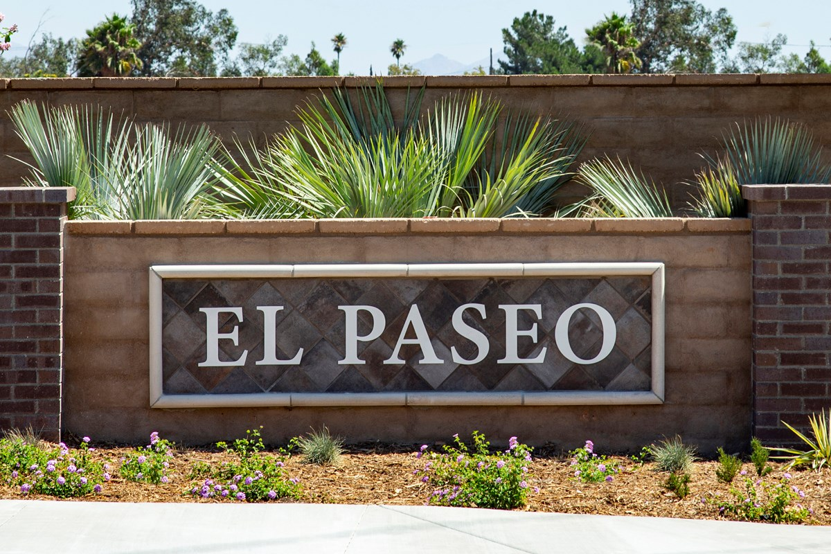 New Homes in North Fontana, CA - The Towns at El Paseo Entry Monument