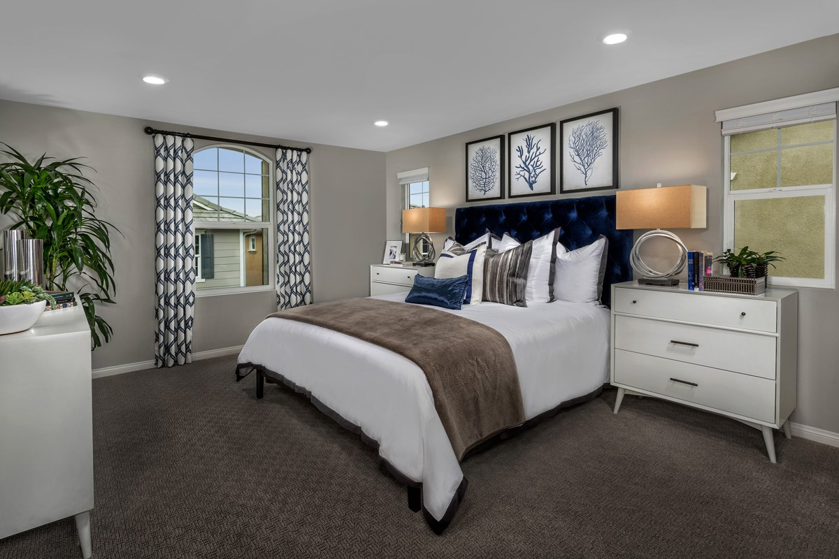 New Homes in Chino, CA - Turnleaf Residence 1732 - Master Bedroom