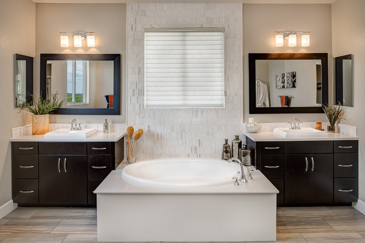 New Homes in Roseville, CA - Legato at WestPark Mullins Plan - Master Bath