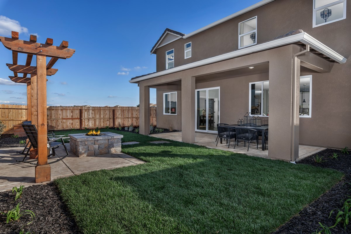 New Homes in Stockton, CA - Montevello Plan 3061 Back Patio