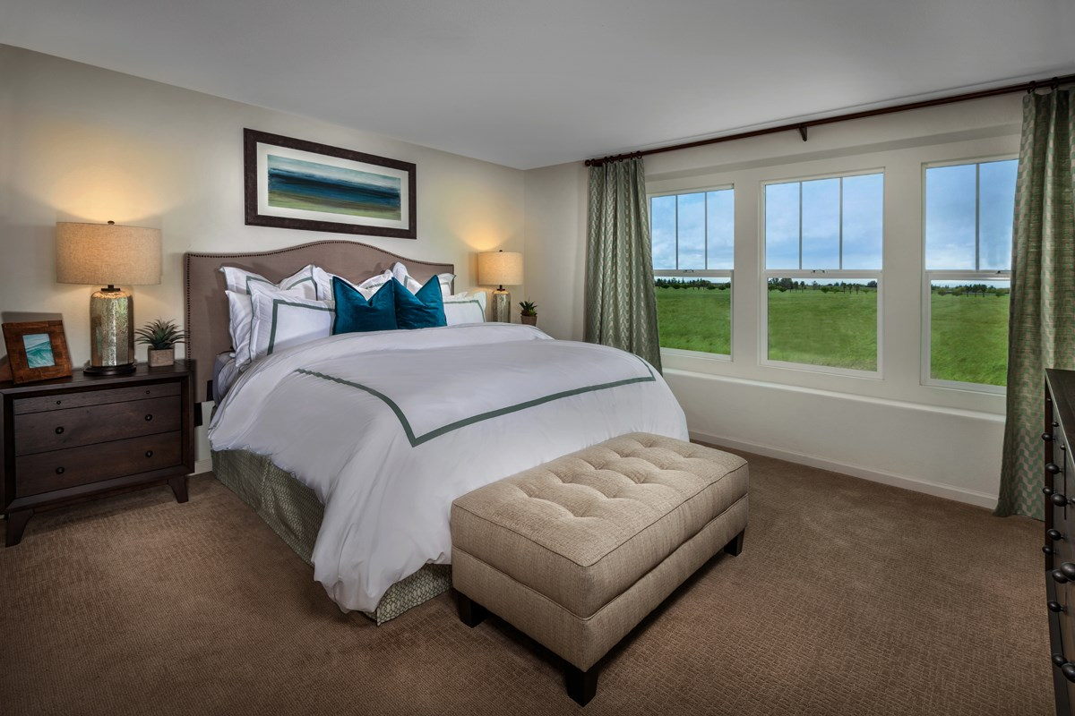 New Homes in Sacramento, CA - Stonybrook at The Hamptons Plan 2093 Master Bedroom