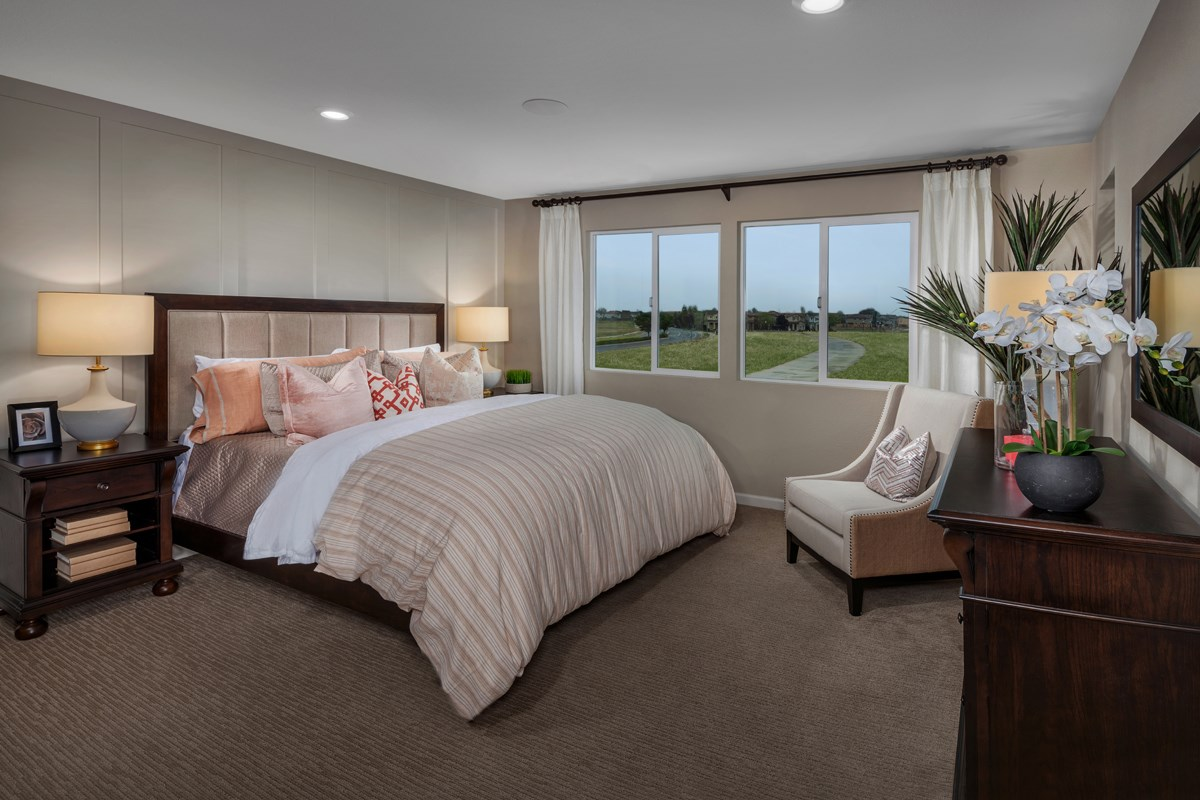 New Homes in Sacramento, CA - Stonybrook at The Hamptons Plan 2204 Master Bedroom