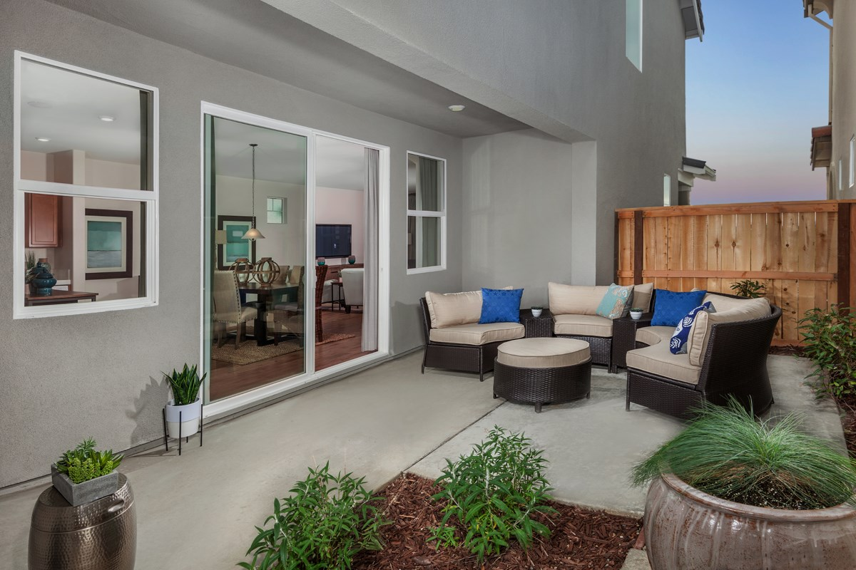 New Homes in Sacramento, CA - Stonybrook at The Hamptons Plan 2204 Patio