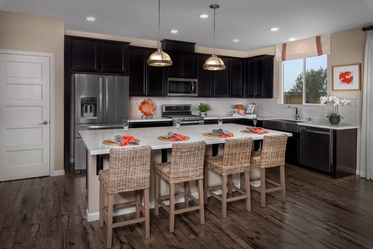New Homes in Sacramento, CA - Stonybrook at The Hamptons Plan 2204 Kitchen