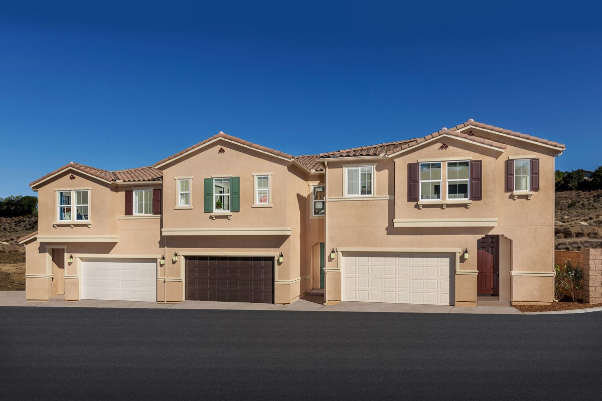 New Homes in Vista, CA - Sierra Sierra Townhome Street Scene