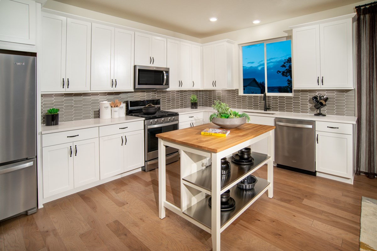 New Homes in Firestone, CO - Barefoot Lakes Memory - Kitchen