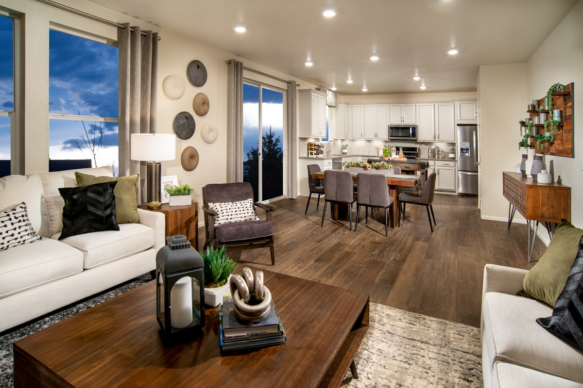 New Homes in Loveland, CO - The Lakes at Centerra Glimpse - Great Room