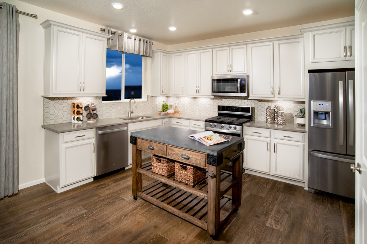 New Homes in Loveland, CO - The Lakes at Centerra Glimpse - Kitchen