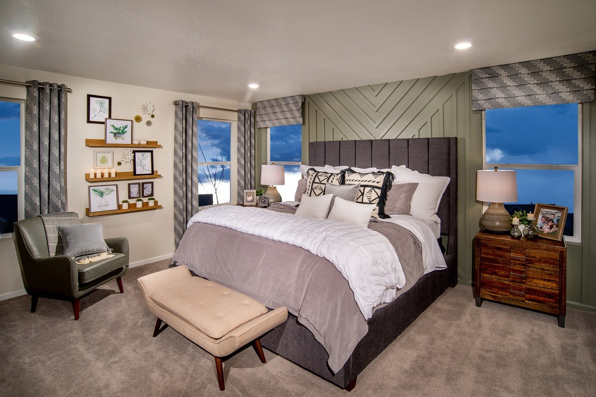 New Homes in Loveland, CO - The Lakes at Centerra Glimpse - Master Bedroom