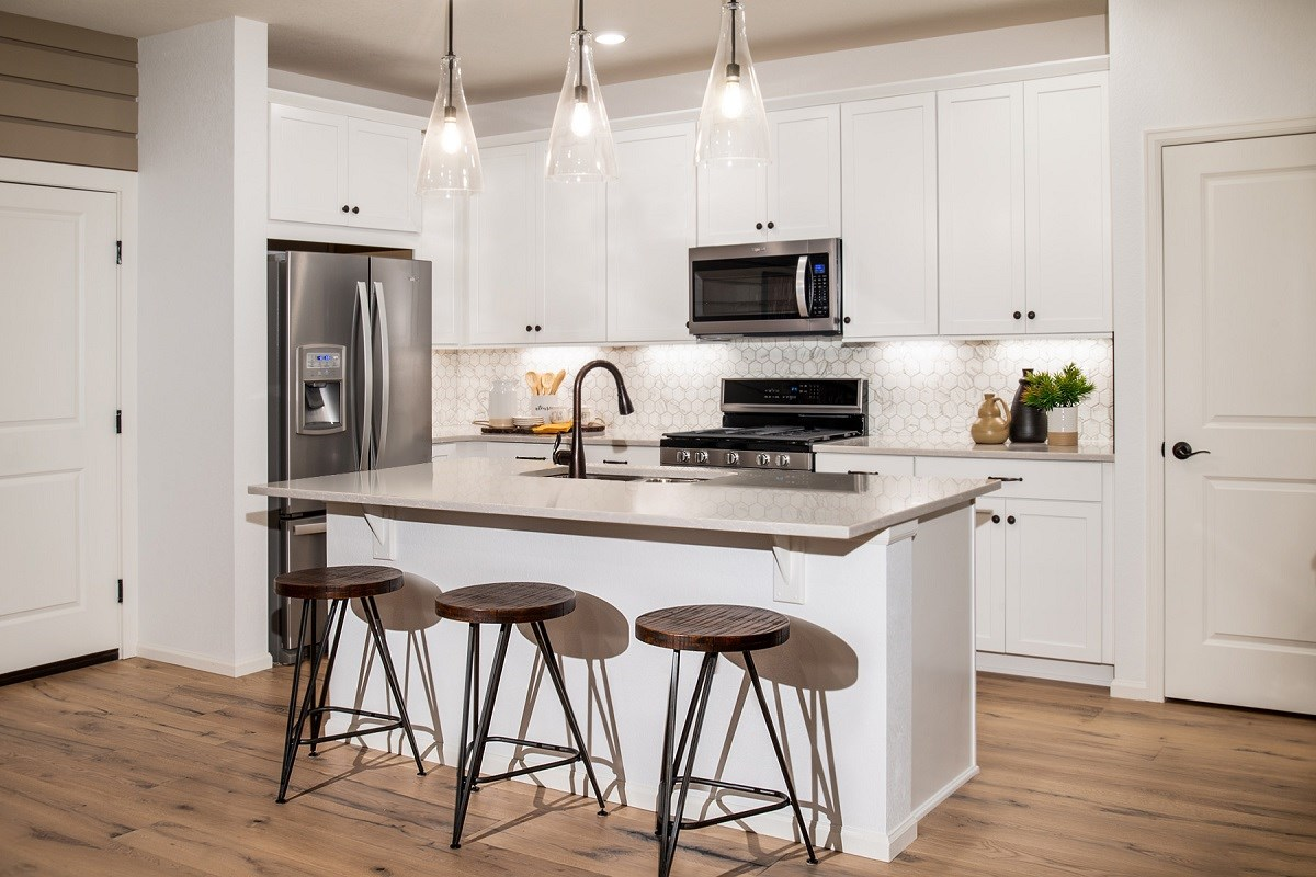 New Homes in Thornton, CO - Homestead Hills Villas Redwood Kitchen