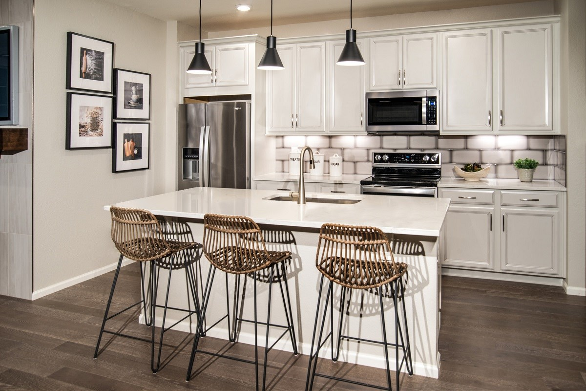 New Homes in Thornton, CO - Homestead Hills Villas Willow Kitchen