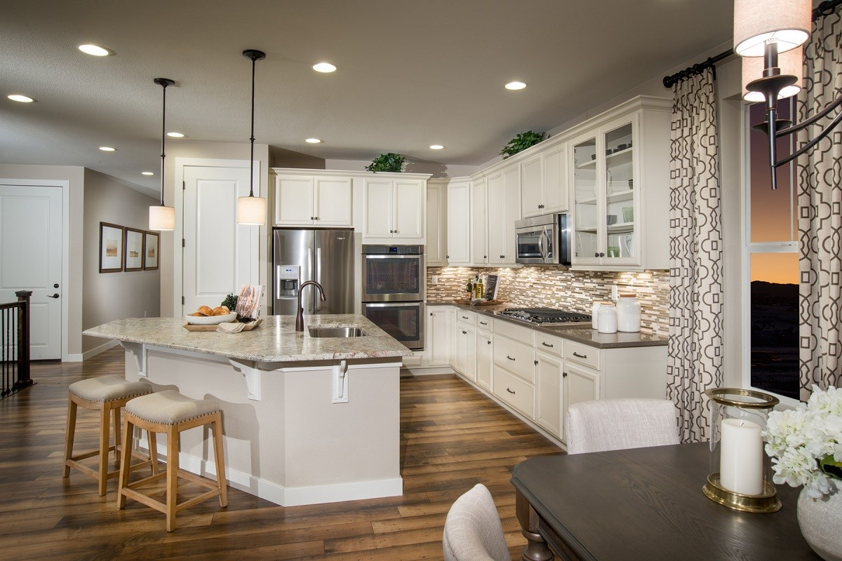 New Homes in Castle Rock, CO - Siena Crestview Gourmet Kitchen