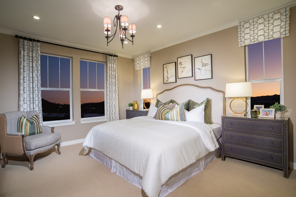 New Homes in Castle Rock, CO - Siena Crestview Master Bedroom