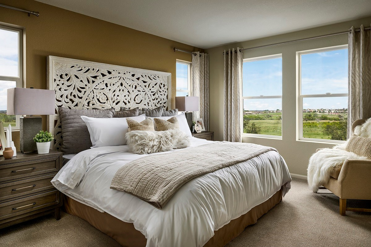 New Homes in Aurora, CO - Sky Ranch Vision - Master Bedroom