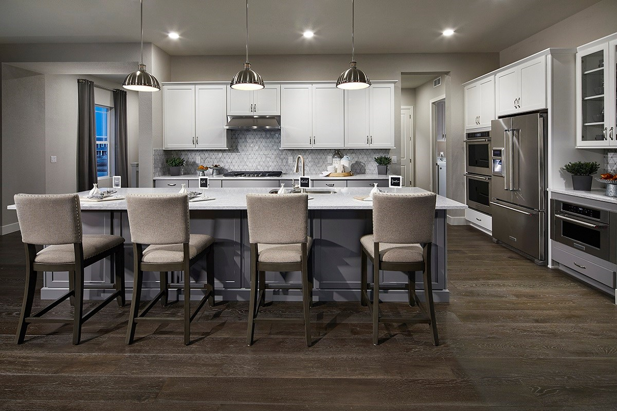 New Homes in Longmont, CO - The Estates at Somerset Meadows Domina Kitchen