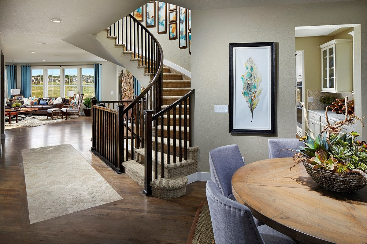 New Homes in Longmont, CO - The Estates at Somerset Meadows Trentino Entryway