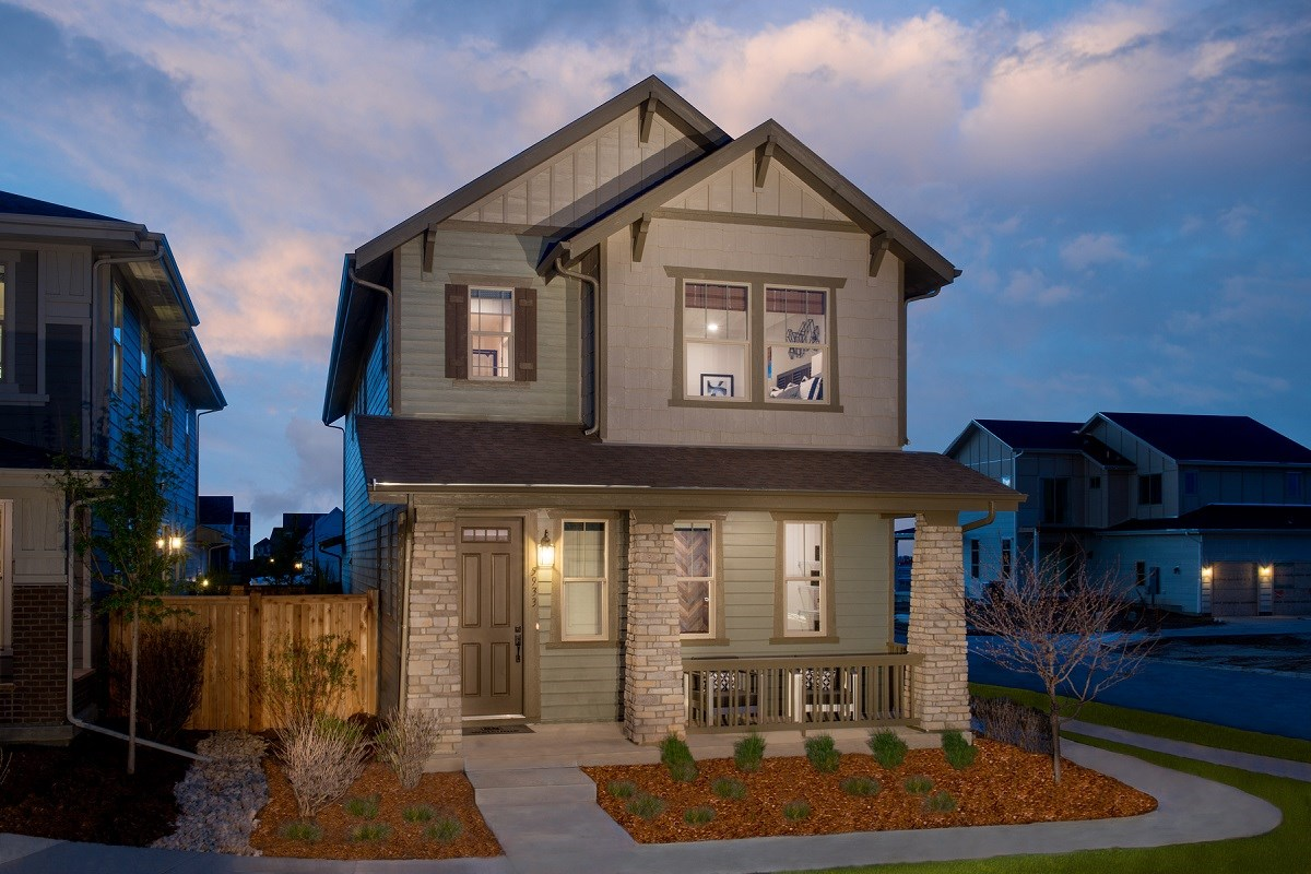 New Homes in Denver, CO - Stapleton Wildflower Collection Verbena Exterior