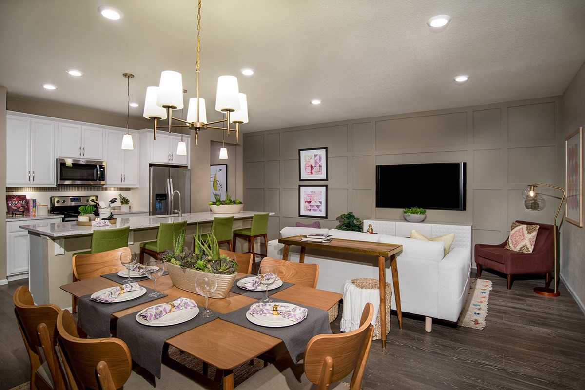 New Homes in Aurora, CO - Stapleton Villa Collection at Bluff Lake Hemlock Great Room