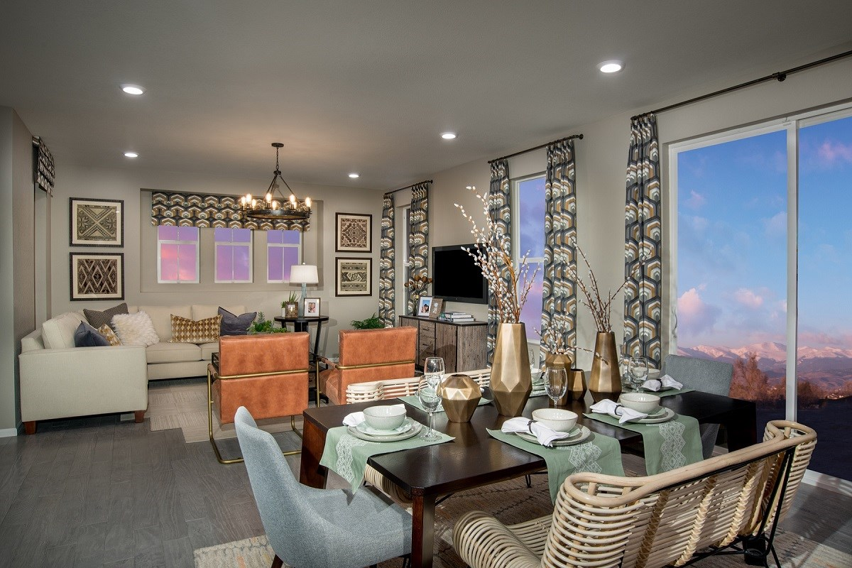 New Homes in Aurora, CO - Stapleton Villa Collection at Bluff Lake Maple Great Room