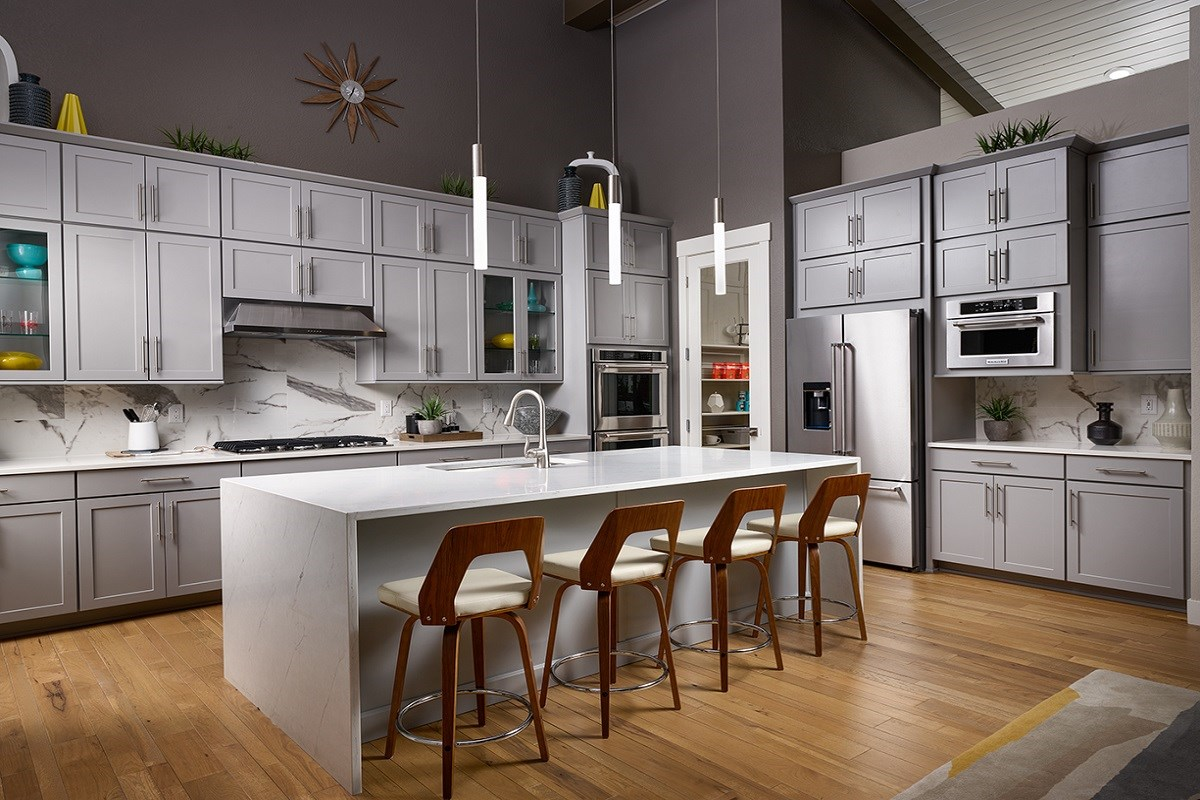 New Homes in Denver, CO - Stapleton Starlight Collection Eclipse Ranch Model Gourmet Kitchen