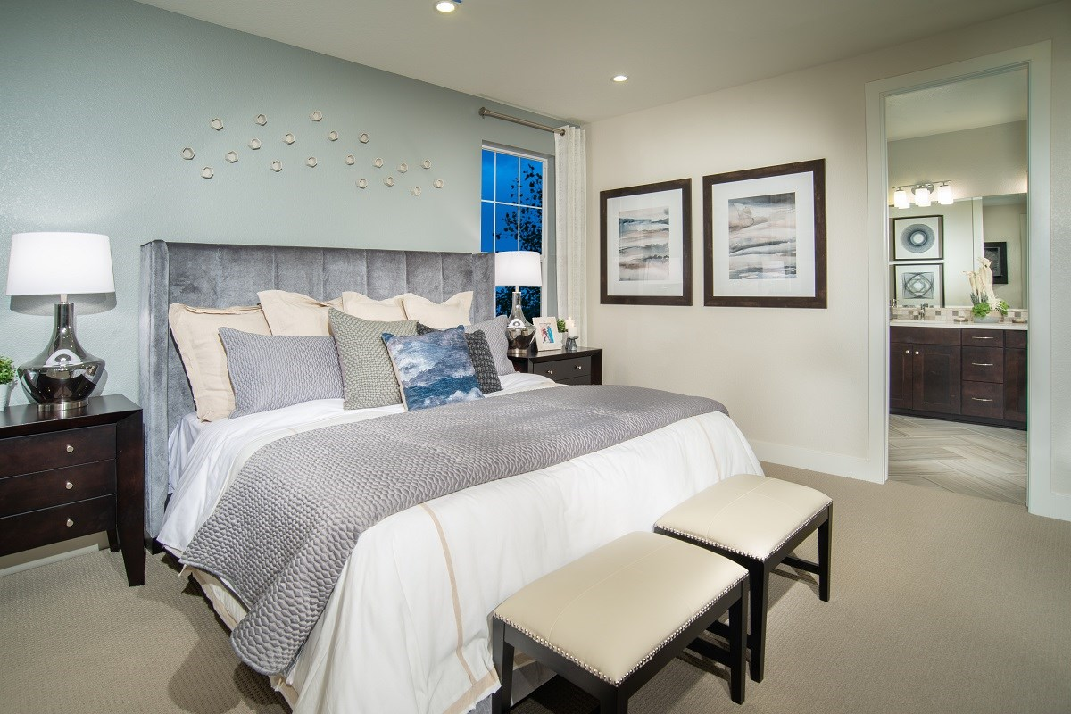 New Homes in Dacono, CO - Sweetgrass - Legacy Collection Hawthorn Master Bedroom